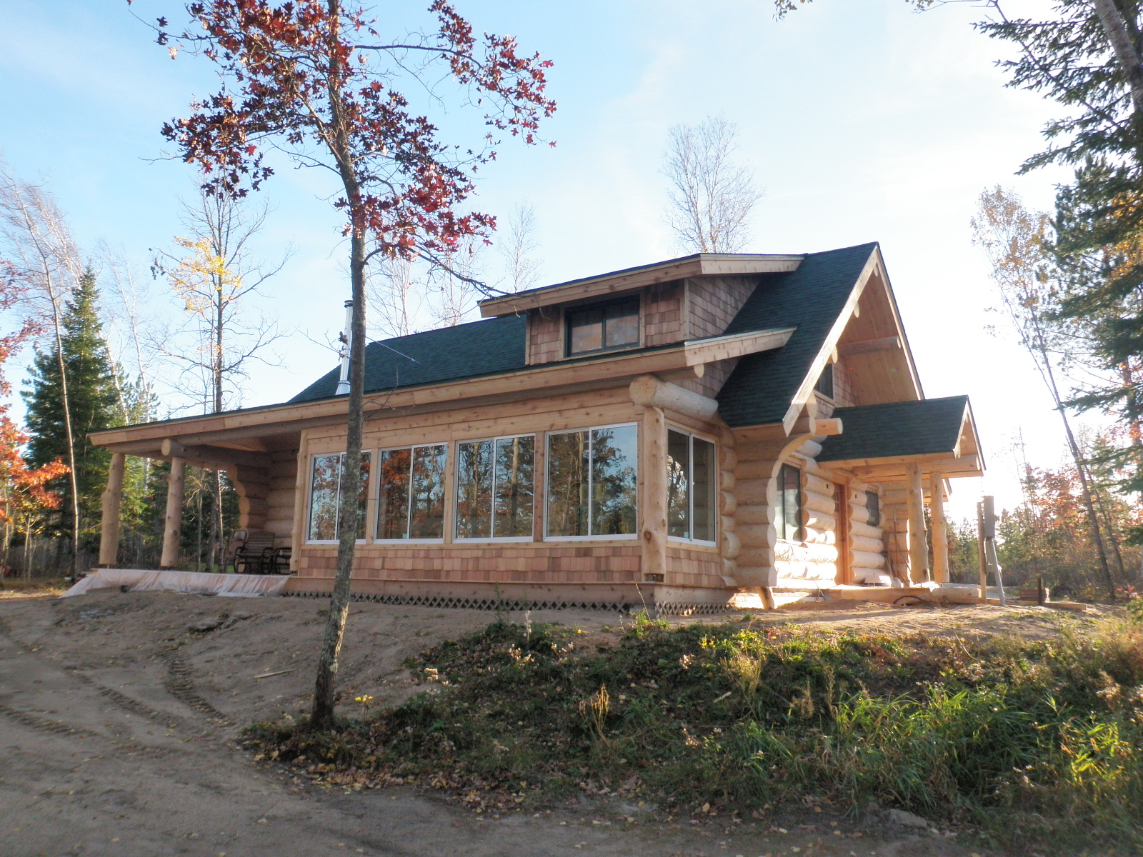Headwaters Hideaway Andersen Log Homes Co Home Wiring Entrance Into The Arched Hallway Allows To Go From One Room Other